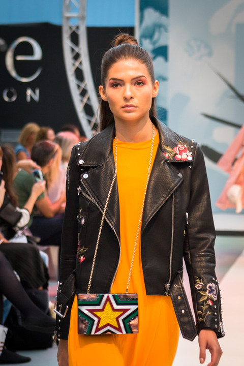 Fashion Show London 01