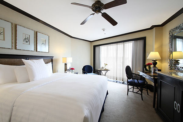 Deluxe-room-King-Size-768x512.jpg