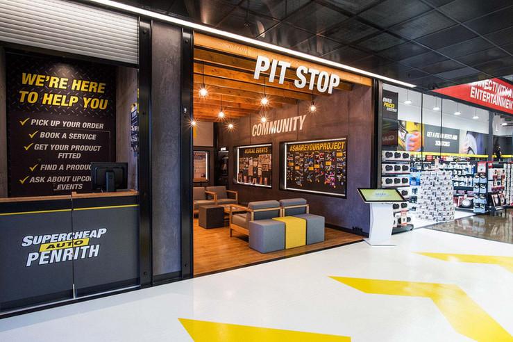 Supercheap-Auto-Penrith-shopfront-facade