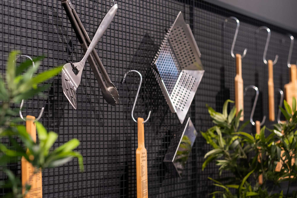 Barbeques-Galore-retail-design-hanging-d