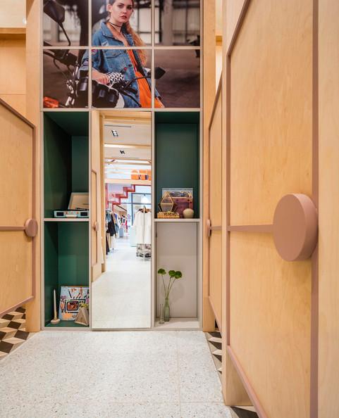 ATTIK-Sydney-fitting-room-visual-merchan