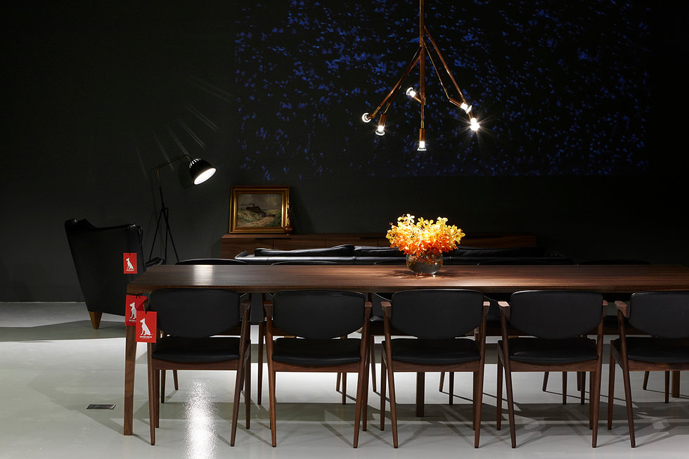 Great-Dane-Fitzroy-dining-table-feature-