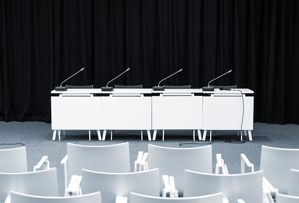 monochrome-picture-of-empty-press-confer