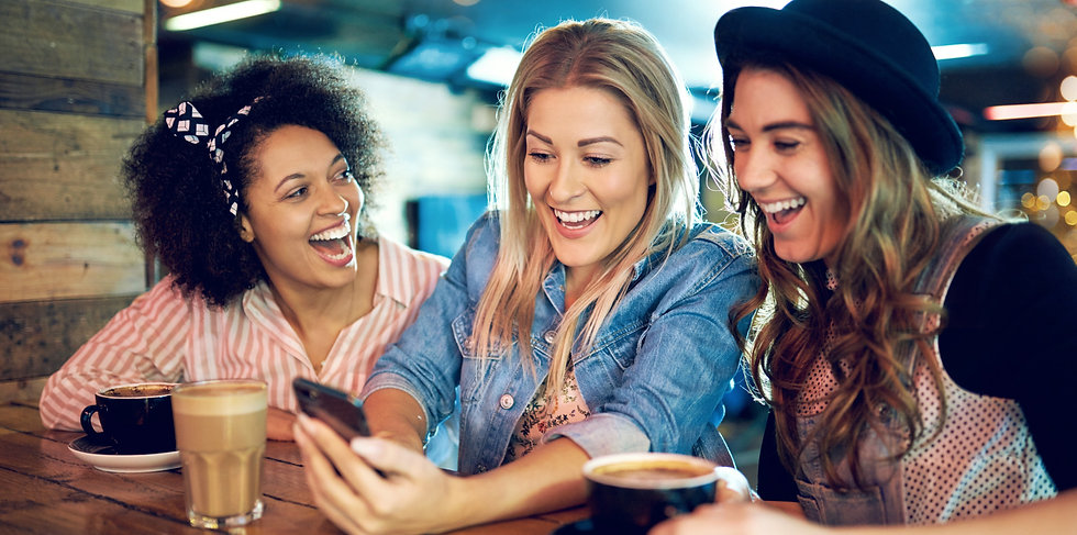 women-with-with-smartphone-laughing-P5T4