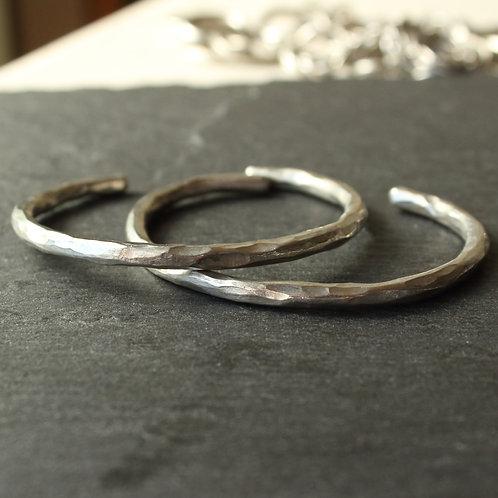 UNDERGROUND METAL FACTORY Hammered Tin Bangle
