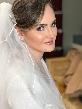 glamorous bridal makeup in south street/ headhouse district of philadelphia