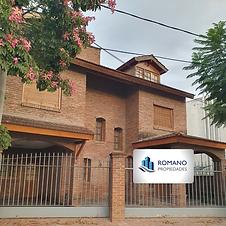 Casa 4 amb, pileta, 3 baños y altillo en Pilar