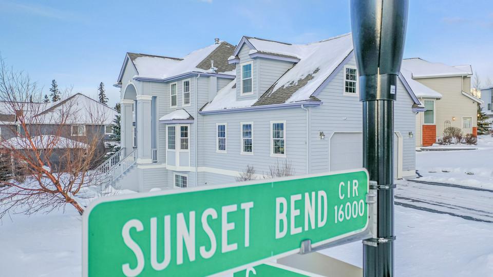 16052 SUNSET BEND