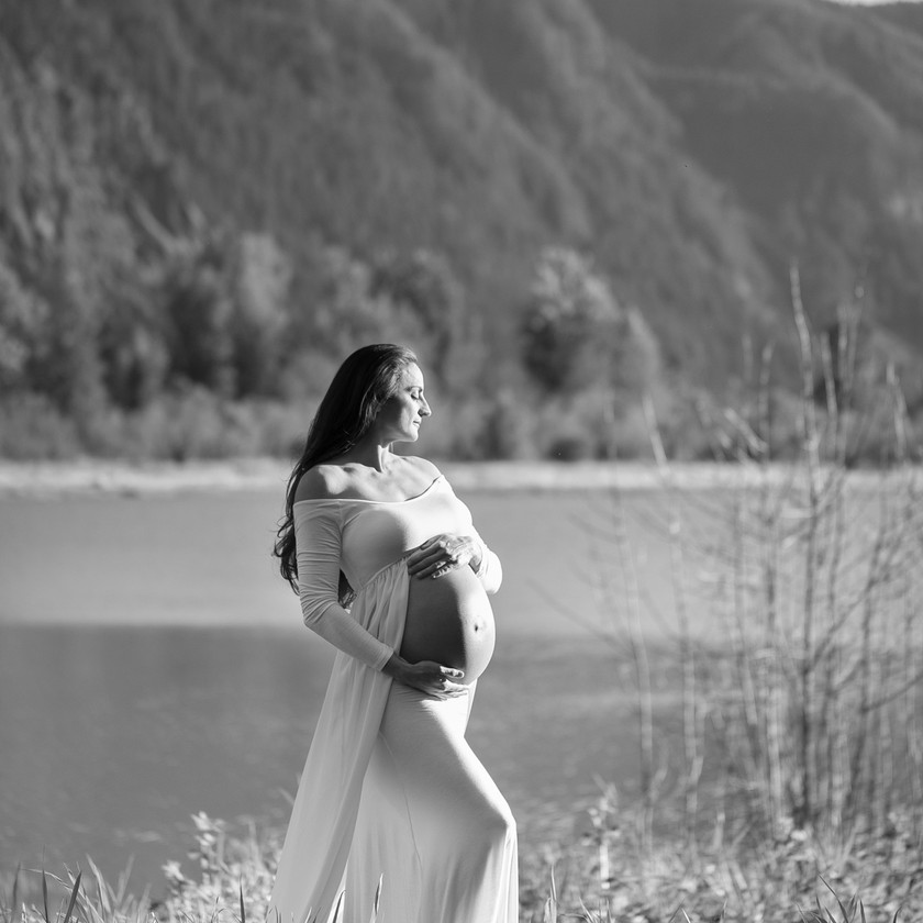 Maternity Session in the Gorge