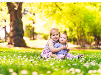Spring Child Portrait Photography at Laurelhurst Park in Portland, OR