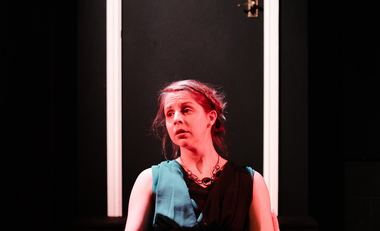 Ceri Vaughan as Estelle