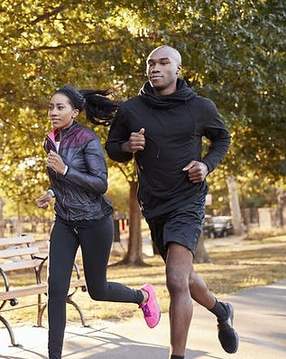 young-black-couple-jogging-in-a-brooklyn
