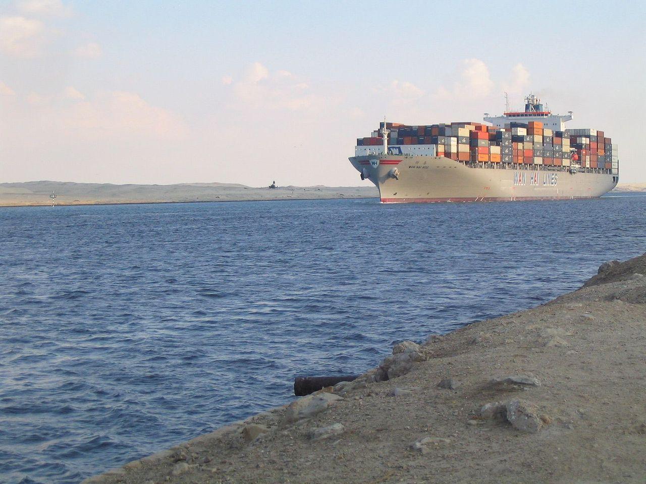 Global+Economy+-+Cargo+Ship+Suez+Canal.JPG