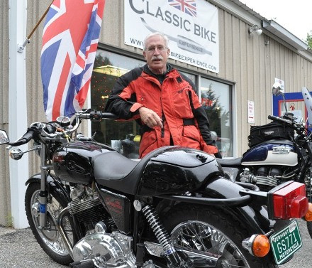 Peter Tourin talks about his 75 Norton Commando restoration
