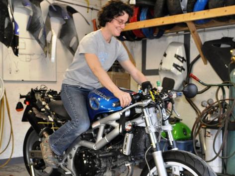 Building an SV650 Track Bike: Part 3 - Assembly