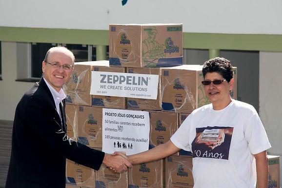 Seu questionário de satisfação preenchido, vale o apoio à famílias carentes | patrocinado pela Zeppelin