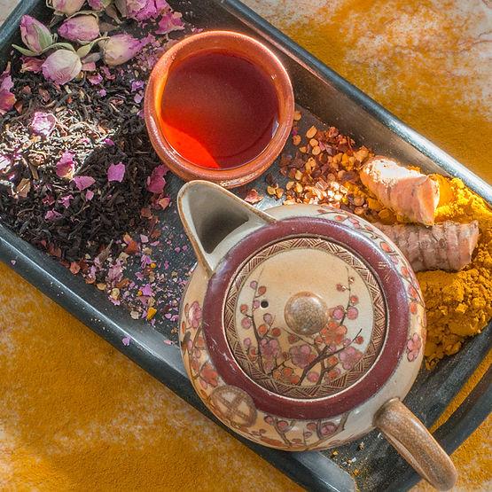 organic-currant-turmeric-rose-tea-700.jp
