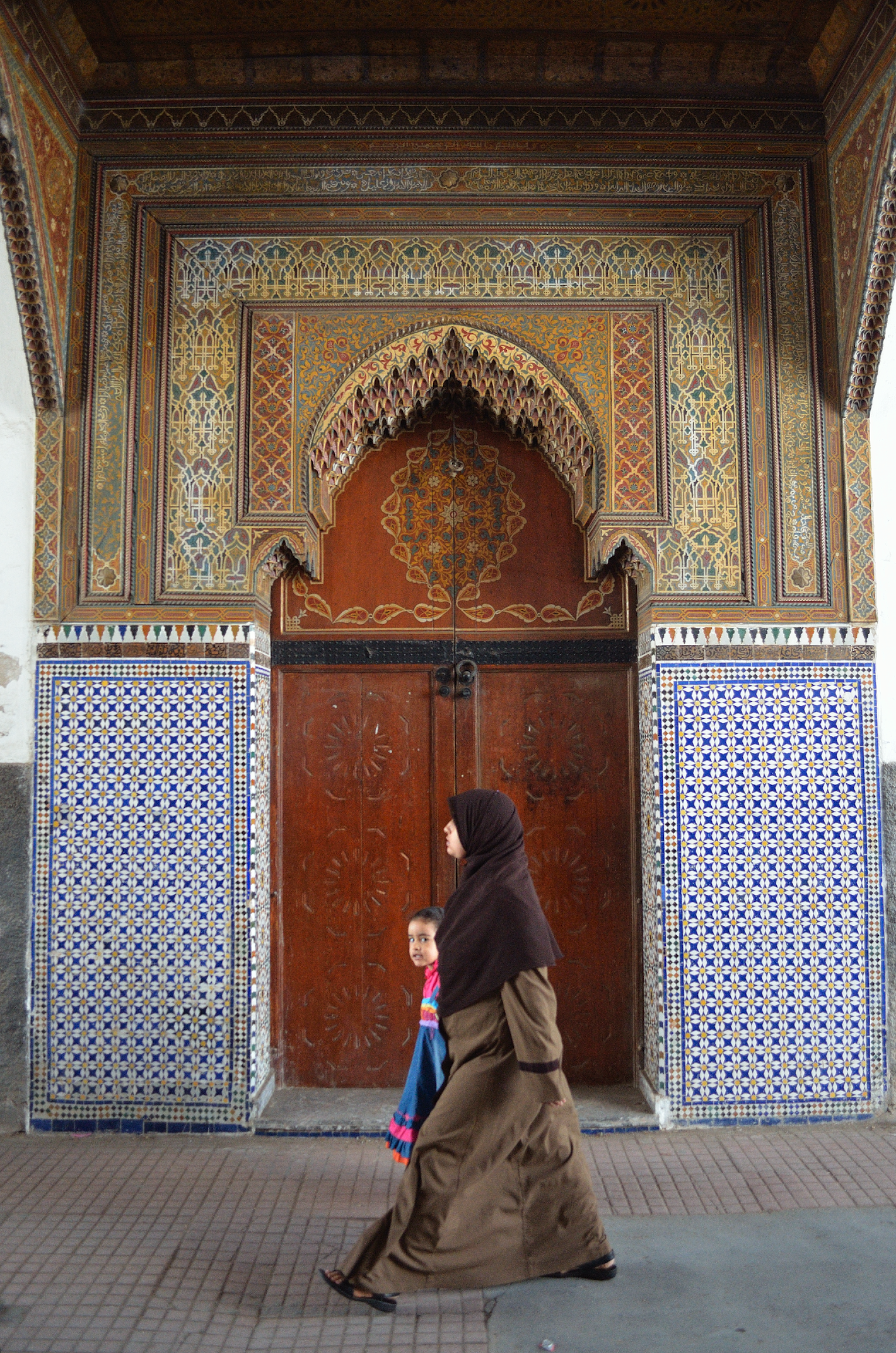 Gate in medina (II)