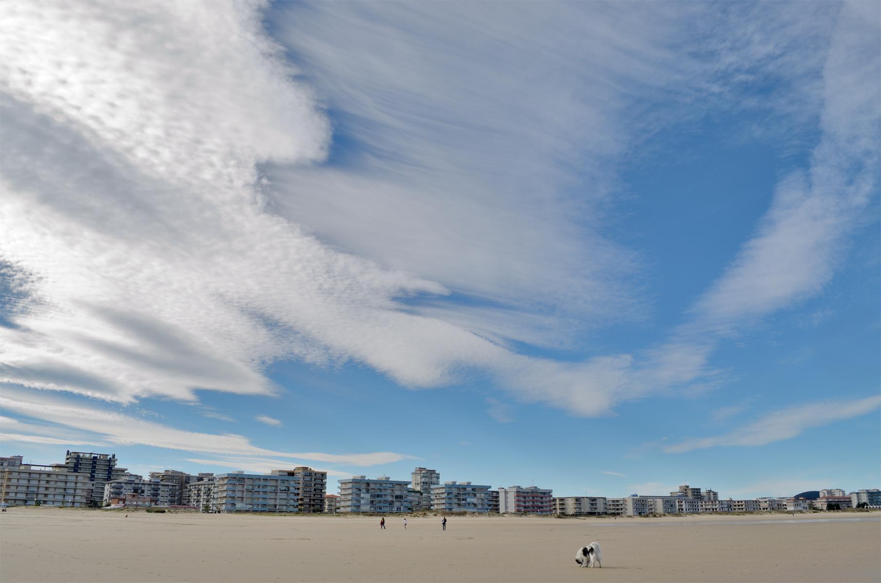 'Golfo' en la playa con nubes