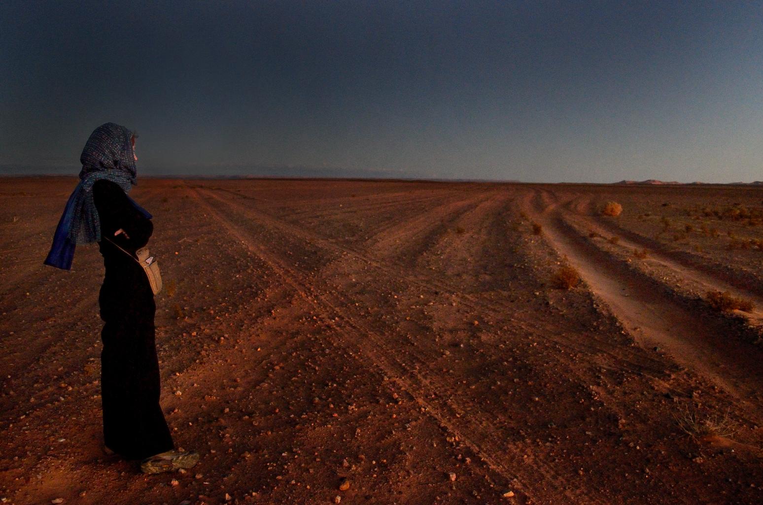 Leslie in the desert