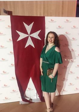 Reunión de aristócratas y alta sociedad en el cóctel anual de la Orden de Malta
