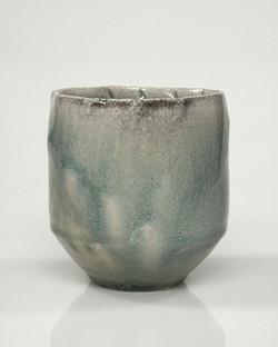 vessel (cup) 4b