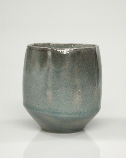 vessel (cup) 8b