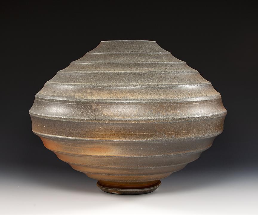 vase (view 2)