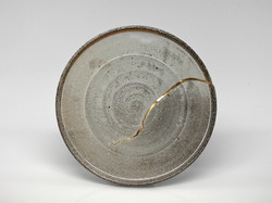 plate with kintsugi repair