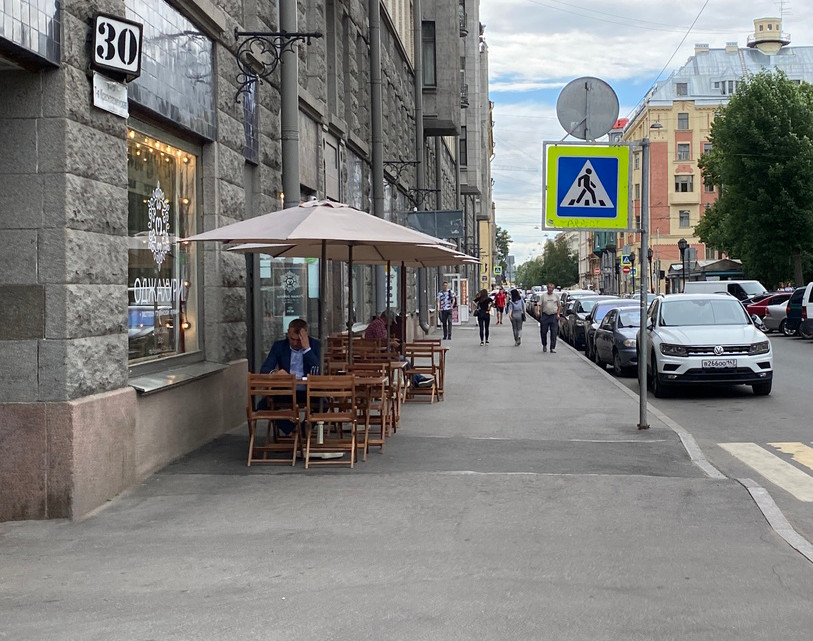 Очень нелегко далось общепиту в Петербурге вакцинирование 80% сотрудников