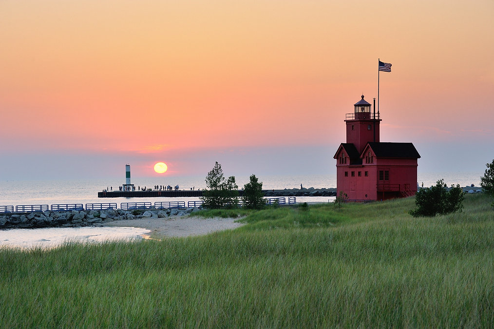 Holland Michigan Lighthouse sunset . Als