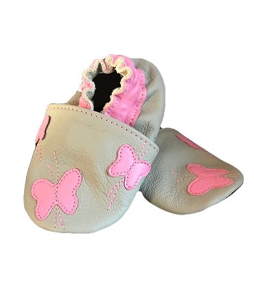 Baby shoes pink butterfly