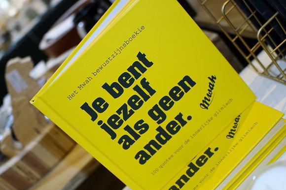 Bewustzijnsboekie 'Je bent jezelf als geen ander'