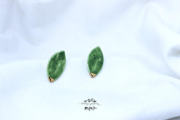 Porcelain earrings Kiwi ellips