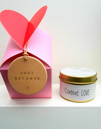 Love box met geurkaarsje 'Content LOVE'