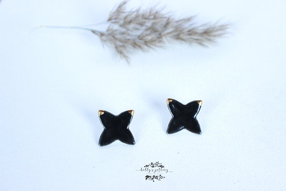 Porcelain earrings black star