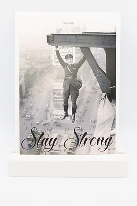Card + envelop 'Stay strong'