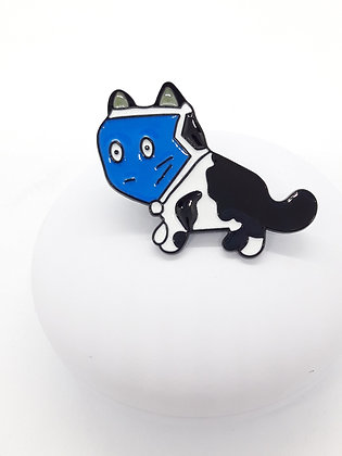 Pin black dog