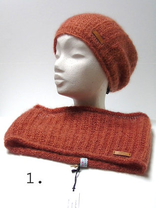 Hand knitted Coll Sjaal Nora in 6 colors