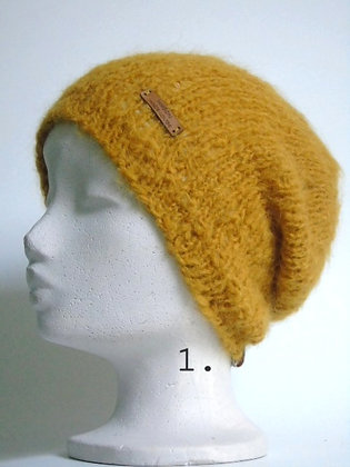 Handknitted hat Laura in 10 colors