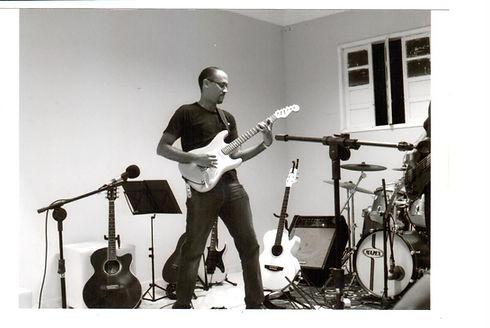 Eu-guitar (7).jpg