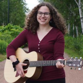 Eden Pletner'18 brings community together with music