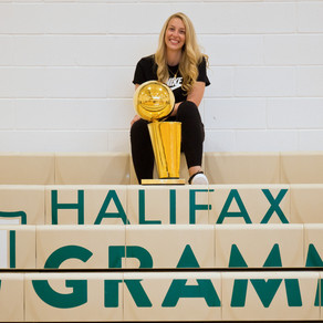 Shelby Weaver'07 brings Raptors celebration home