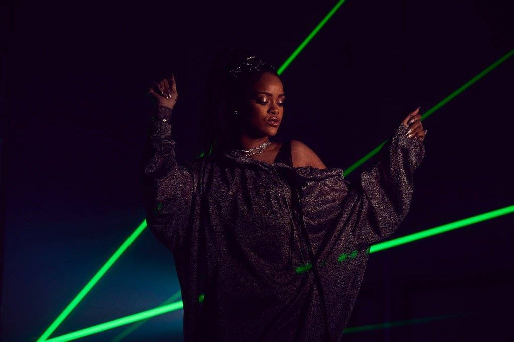 Calvin Harris Rihanna This is What You Came For Lasers (5)