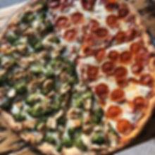 Happy Sunday 🍕_._._._#pepperoni #chicke