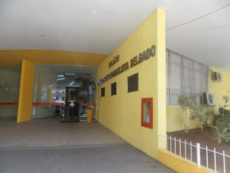 Câmara de Volta Redonda ilumina fachada de Laranja em alusão à campanha dedicada à adoção de animais