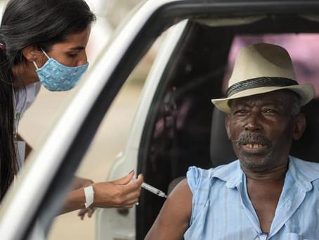 Idosos de 78 e 79 anos começam a ser vacinados contra a Covid-19 em Barra Mansa