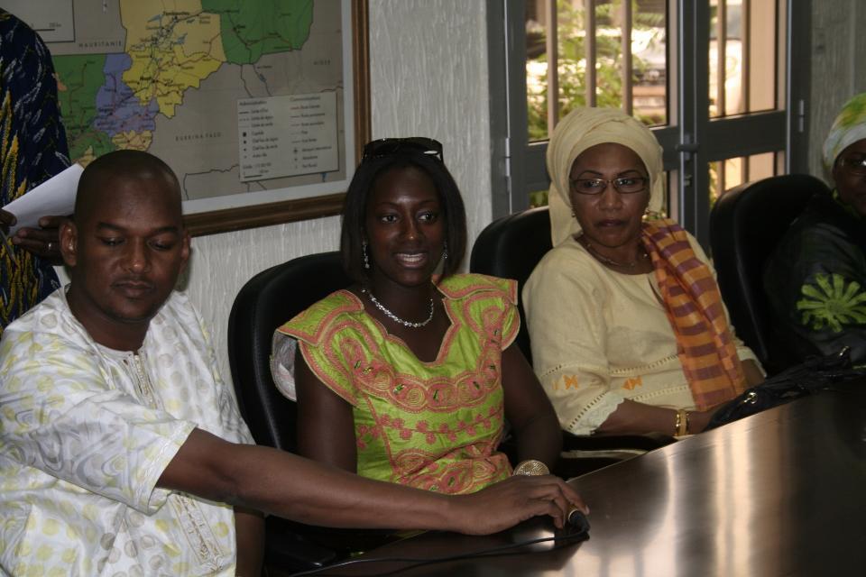 Sidy_Diallo_Madioula_Aîdara_et_Mme_Diakité_(pdte_de_lassociation_des_femmes_du_Mali)