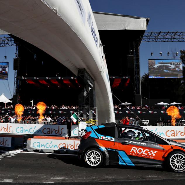 Benito Guerra (MEX) win in the RX Superc