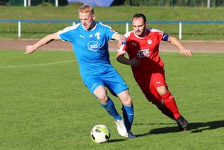 Blau-Weiß startet mit Nachholspiel in Fußballjahr